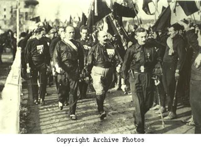 Mussolini re-establishes a Fascist government.