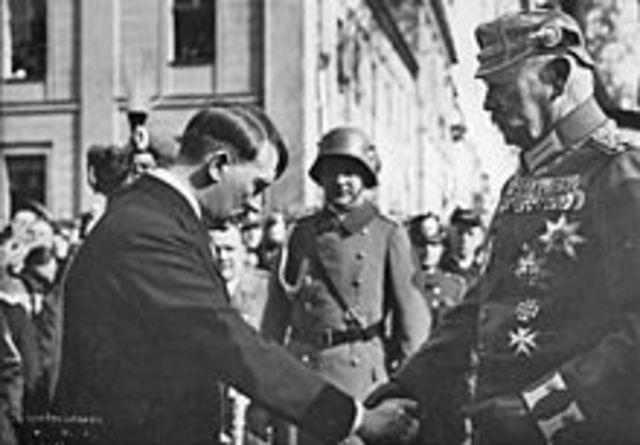 German officer endorses Hitler