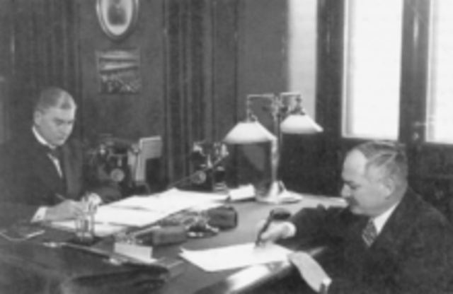 Finland and the Soviet Union agree to a cease-fire.