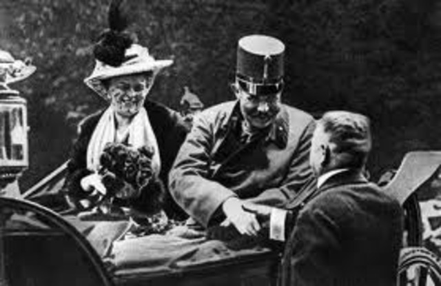 Ferdinand and Sophie visit Sarajevo and are assassinated by Gavrilo Princip