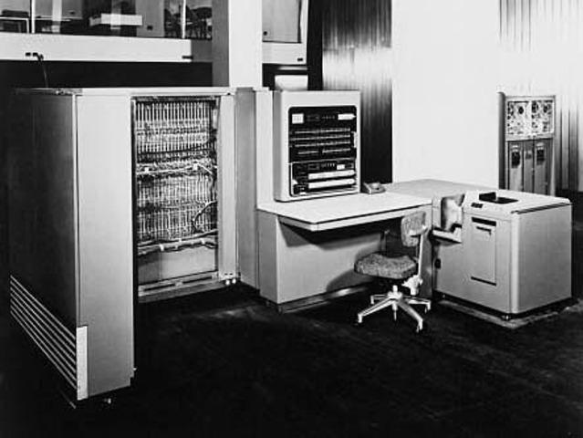 La primera computadora científica, comercial de IBM