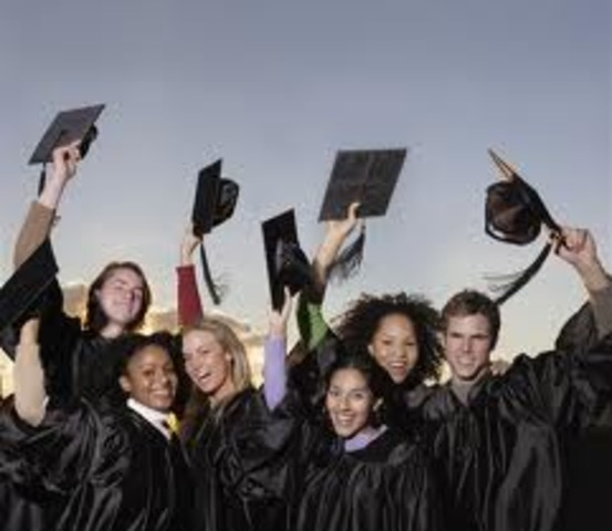 As of 2006, University of Phoenix offered 10 bachelors degrees, 18 masters degrees, and 2 doctorates.