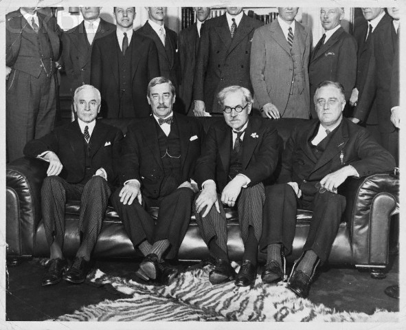 FDR pulls out of London Conference
