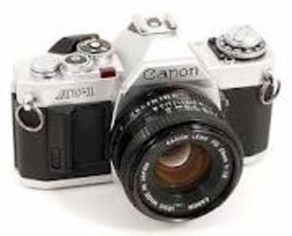 Η πρώτη μηχανή  Canon