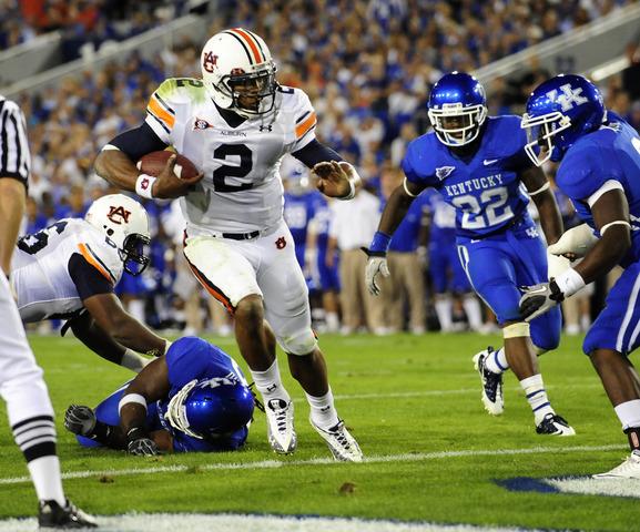 #8 Auburn defeates Kentucky 37-34