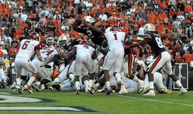 #7 Auburn defeates #12 Arkansas 65-43