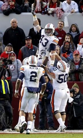 #2 Auburn defeates #9 Alabama 28-27