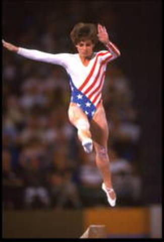 Mary Lou Retton Stunnes Gymnastics