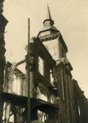 Zerstörung der Abtei durch Fliegerangriff