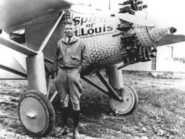 Lindbergh takes Flight