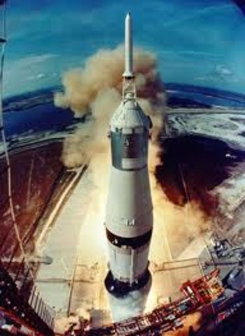 First test flight of the Saturn V rocket