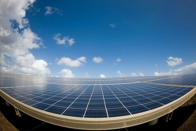 The first solar-cell power plant