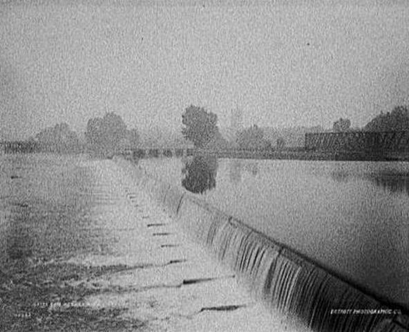 The first hydroelectric station opened in Wisconsin.