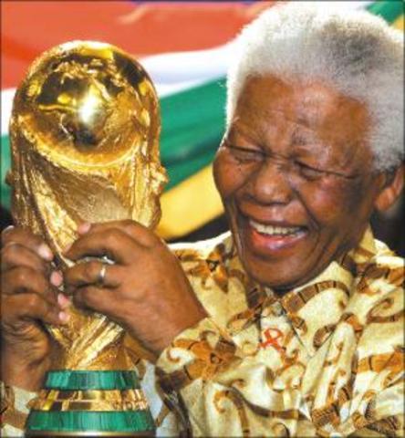 Mandela and de Klerk are awarded the Nobel Peace Prize.