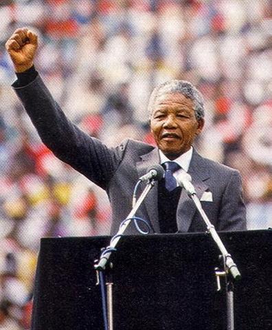 Mandela is inaugrated as president.