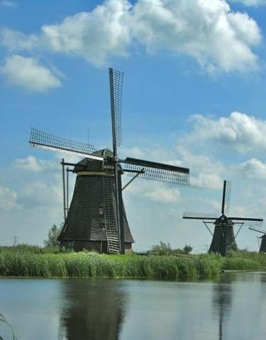 1590sDutch Build Windmills for Multiple Uses