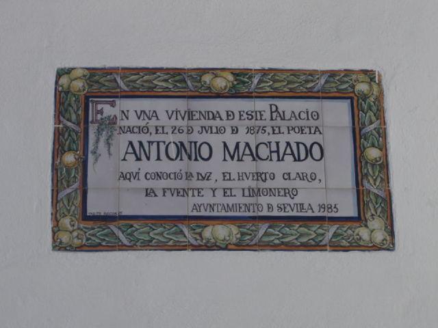 Nace en Sevilla el poeta Antonio Machado