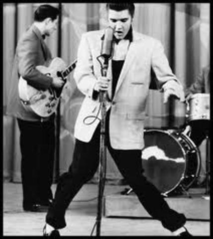 Elvis performs Hound Dog