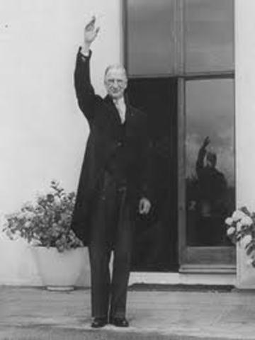 De Valera bliver præsident