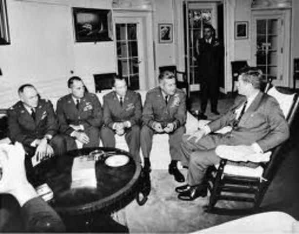 Kennedy orders Cuban blockade.