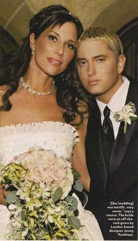 Marshall Mathers marries KImberly Scott