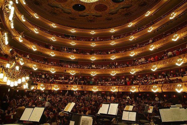 Inauguració del teatre del Liceu a la Rambla de Barcelona