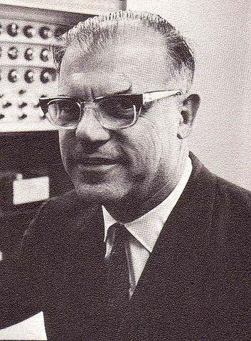 (1912-1998) Sidney Fox