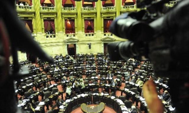 Ley de medios: el Senado inicia esta semana el debate mientras Cobos queda a cargo del Ejecutivo