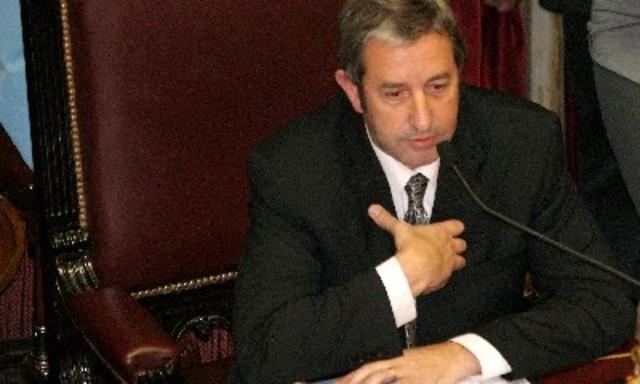 Julio Cobos busca postergar la votación por la Ley de Medios