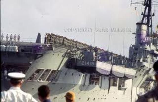 HMAS Sydney arrives off South Vietnam