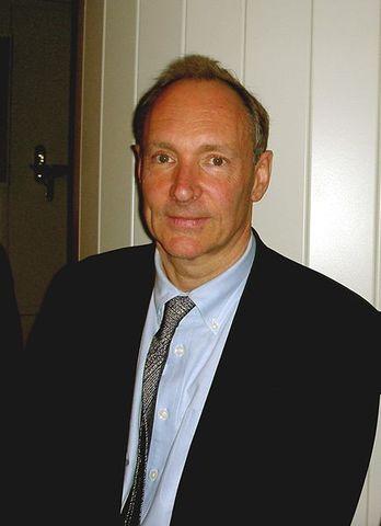 Tim Berners Lee crea un sistema de hipertexto.