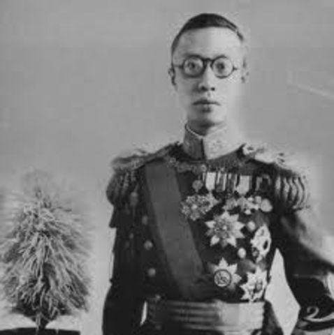 Chinese Nationalists Oust the Last Qing Emperor
