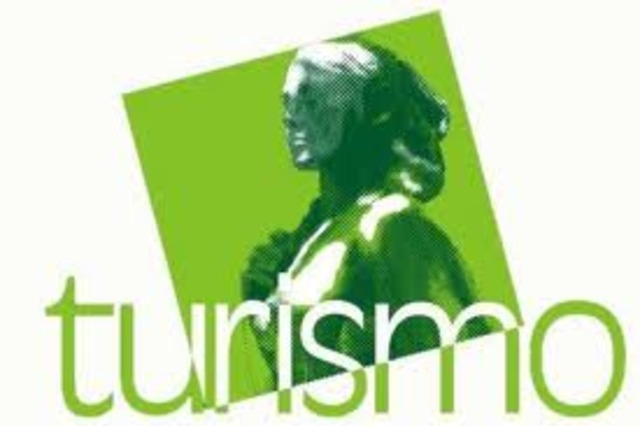 Creación del Departamento de Turismo en México.