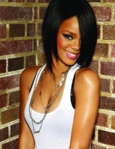 Rihanna strikes endoresment deal