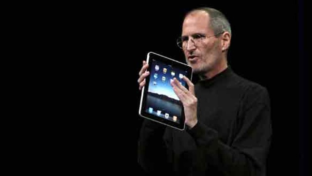 Jobs announces the iPad