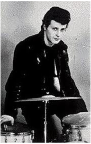 Pete Best is kicked out of the beatles