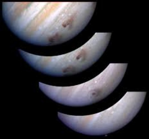 Hubble photographs comet Shoemaker-Levy smashing into Jupiter using time stop technology for photos from before impact to several days after impact