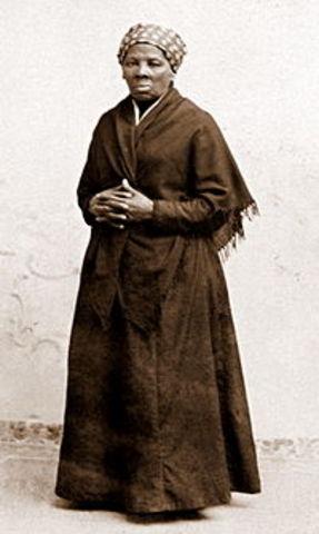 Tubman Helps Free 700 Slaves