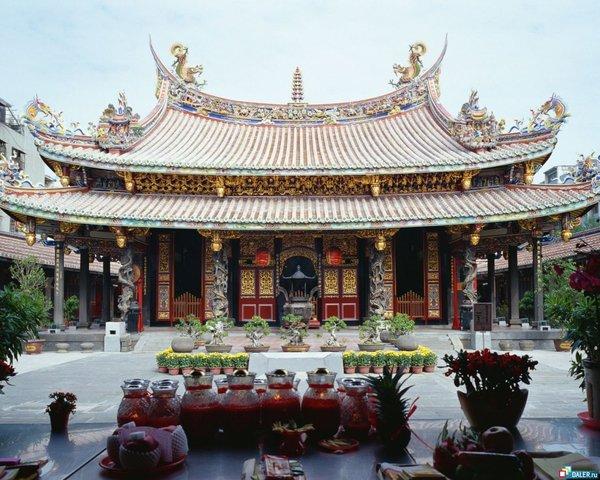 China stops trade on Silk Road
