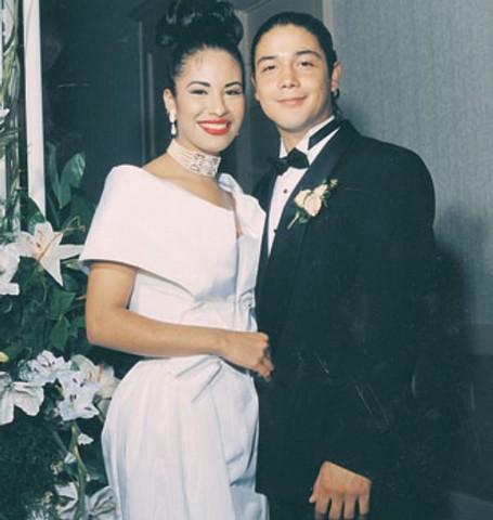 1992 Marries Chris Perez