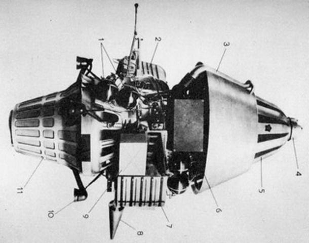 Luna 11, Lunar orbiter
