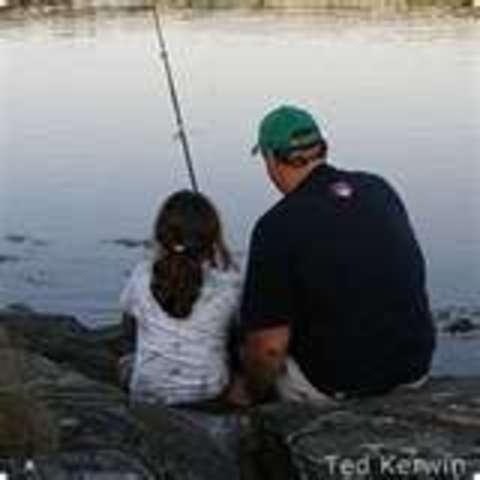 Cuando yo tenía once años, yo hacía unos video, yo pescaba con mi padre, y yo contaba muchas canciones.