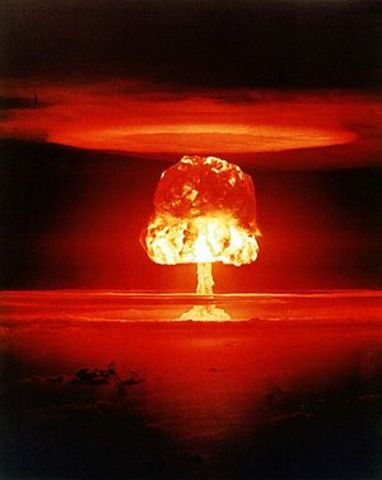 """Nuclear War <a href=""""http://www.religioustolerance.org/end_wrl18.htm"""" rel=""""nofollow"""">RT</a>"""