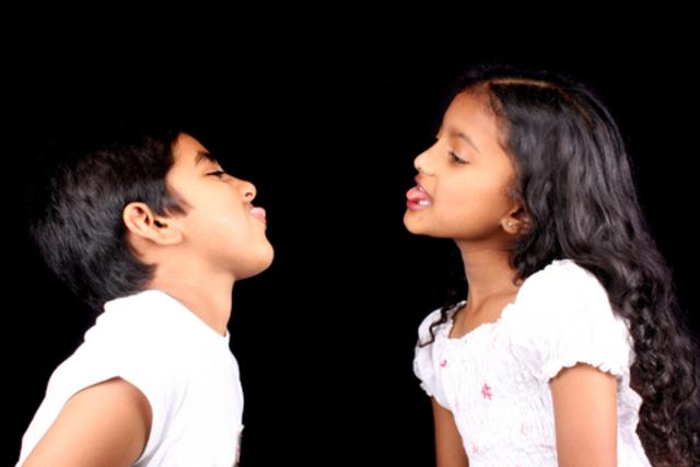 Cuando yo tenía ocho años, yo siempre peleaba con mi hermano Aras,
