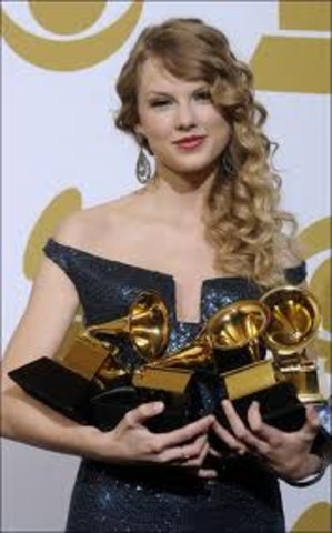 Taylor Swift sang at the grammys, and won one of them