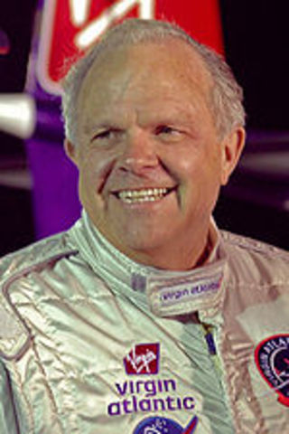 Steve Fossett becomes the first person to fly solo around the world nonstop in a balloon.
