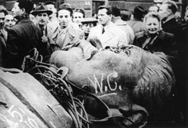 Conflictos dentro del bloque comunista: Revolución de Hungría