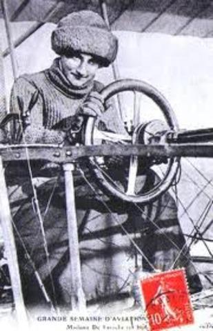Raymonde de Laroche pilots license