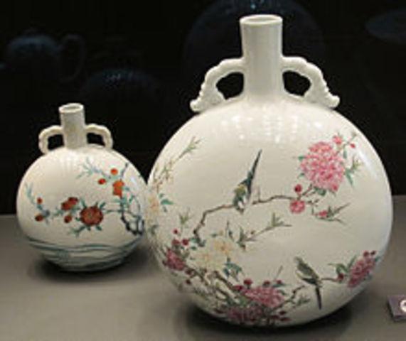 La porcelana es inventada en China