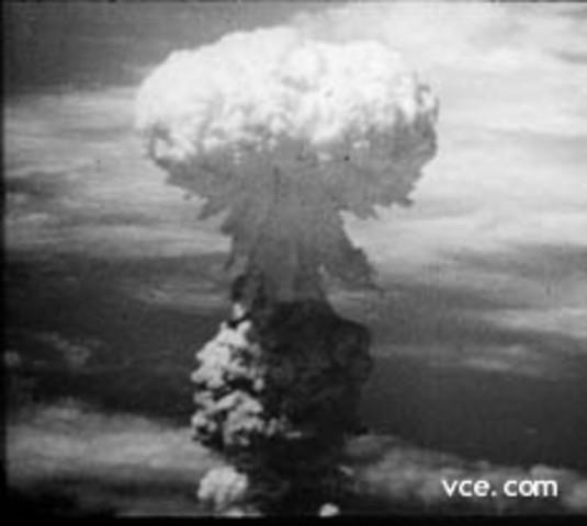 First US Atomic Bomb Dropped on Hiroshima